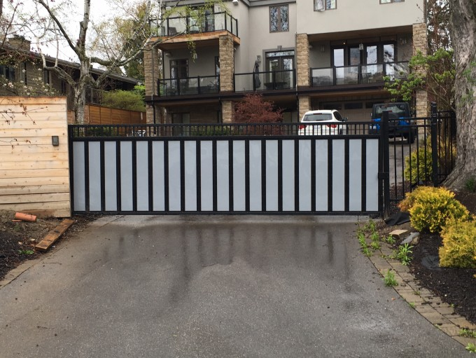 Custom Cantilever Gate
